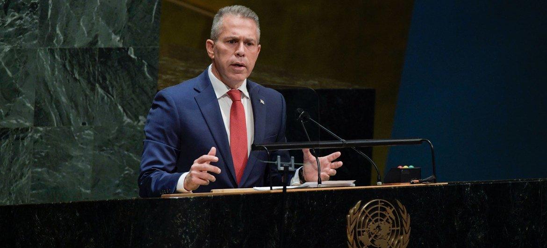 غلعاد إردان، الممثل الدائم لإسرائيل لدى الأمم المتحدة، يلقي كلمة أمام اجتماع الجمعية العامة حول الوضع في الشرق الأوسط وقضية فلسطين.
