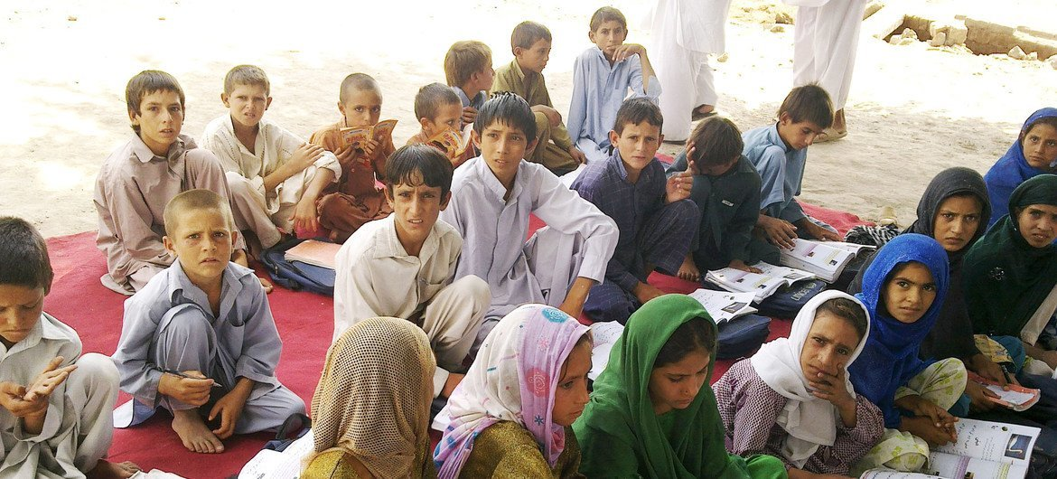 A UNICEF-supported community-based school in Jalalabad, the capital of Afghanistan's eastern Nangarhar province, before the Taliban seized control of the country. (file)