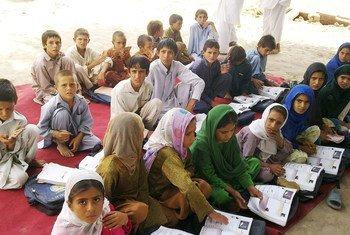 Uma escola apoiada pelo Unicef em Jalalabad, antes do Talebã tomar o poder