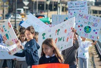 纽约的小学生参加气候抗议活动。