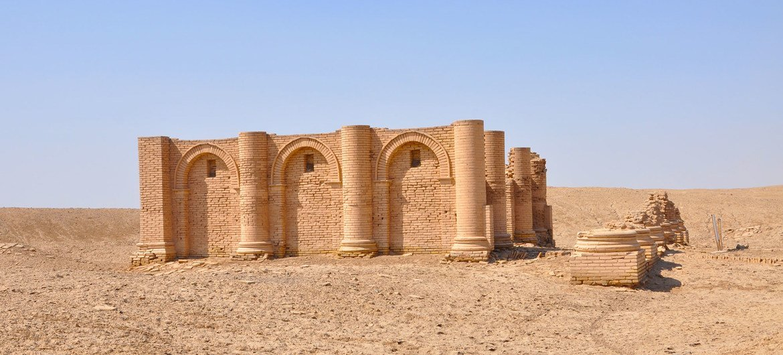 معبد كاريوس في جنوب العراق، بني خلال حقبة بلاد ما بين النهرين عندما تم نقش لوح جلجامش.