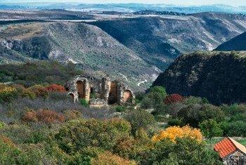 Любой, кто ценит первозданную красоту природы, древние исторические памятники и чарующие пейзажи, не будет разочарован в Грузии
