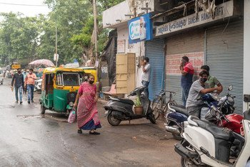 Street scene in India, August 2020.