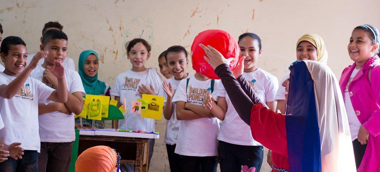 أطفال يشاركون في مخيم بناء الرواد بمؤسسة علمني (صورة من الأرشيف)