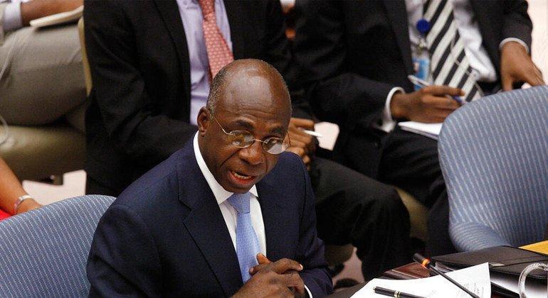 Ministro das Relações Exteriores de Angola, Téte António