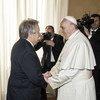 Secretário-geral das Nações Unidas visitou o papa Francisco, no Vaticano,