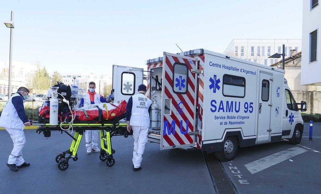 Le Service Mobile d'Urgence et de Réanimation (SMUR) est en première ligne dans la lutte contre le coronavirus