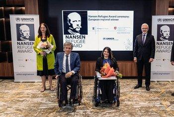 Татьяна Баранцова, общественный деятель из Луганска (на фото - в центре) стала победителем ежегодной премии имени Нансена в европейском регионе