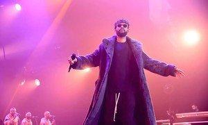 Face à l'épidémie du coronavirus, de nombreuses célébrités africaines se mobilisent. En RDC, la star de la musique congolaise Fally Ipupa a choisi les médias sociaux pour alerter et faire barrage au virus.