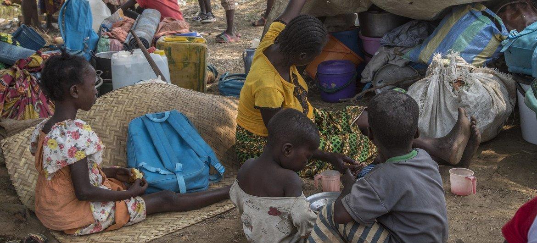 قرية ليتون في بلدة بيغوا، شمال بانغي عاصمة جمهورية أفريقيا الوسطى، حيث فر 2000 رجل وامرأة وطفل من قراهم منذ اشتباكات يناير 2021 في منطقة PK12 وما حولها.