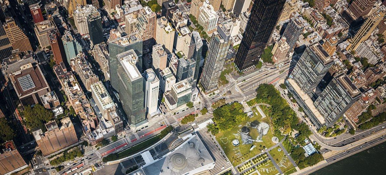 Une vue aérienne de la peinture éphémère géante
