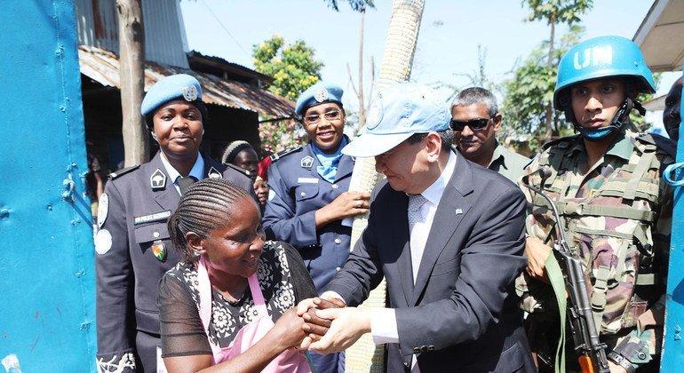 L'Envoyé spécial du Secrétaire général pour la région des Grands Lacs, M. Huang Xia, en visite en RDC en 2019.