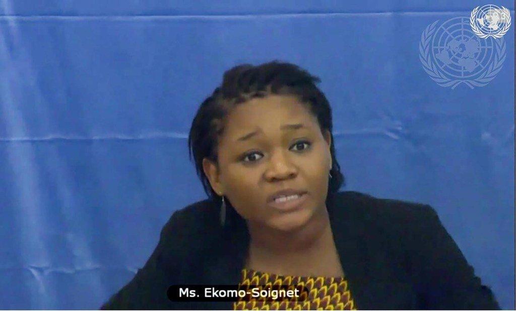 Lors d'une réunion du Conseil de sécurité sur la République centrafricaine, Kessy Martine Ekomo-Soignet, directrice de l'organisation de consolidation de la paix URU, dirigée par des jeunes, s'adresse aux membres du Conseil par vidéoconférence.