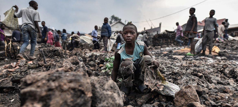 الأطفال معرضون للخطر بعد الانفجار البركاني في غوما بجمهورية الكونغو الديمقراطية.