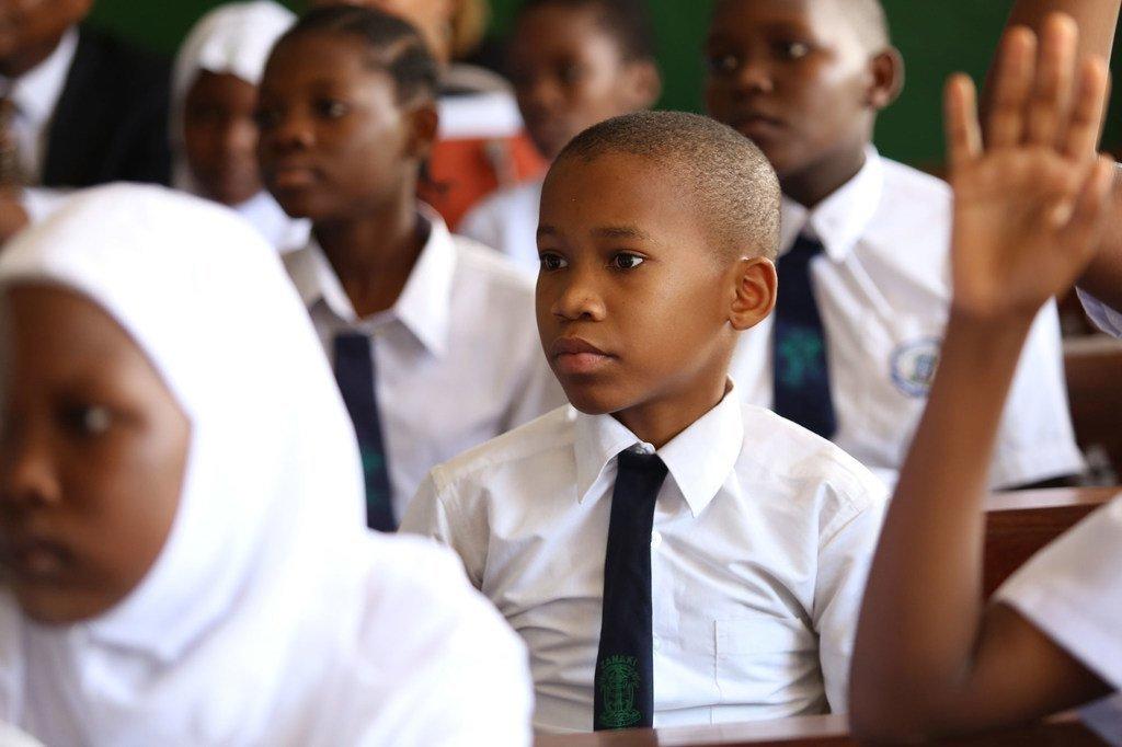 Wanafunzi wa wakiwa darasani katika shule ya msingi ya Zanaki jijini Dar es Salaam nchini Tanzania