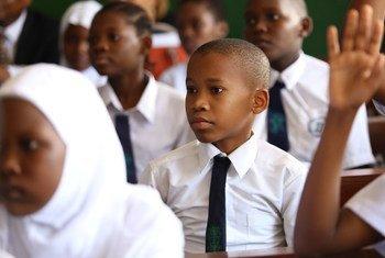 Wanafunzi wa wakiwa darasani katika shule ya msingi ya Zanaki jijini Dar es Salaam tanzania