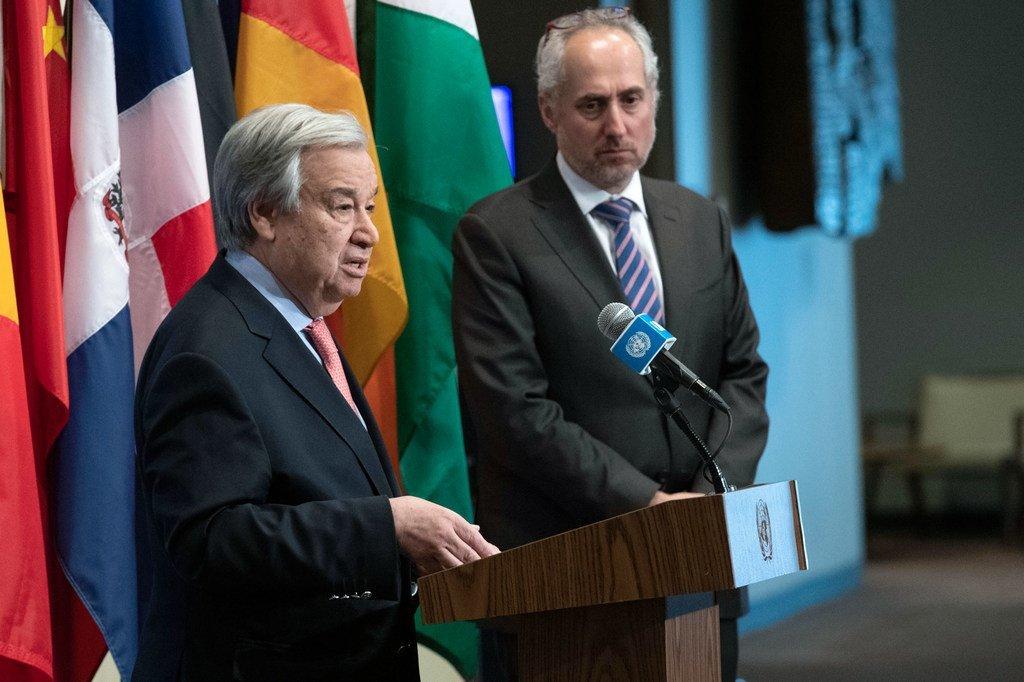 Katibu Mkuu wa Umoja wa Mataifa António Guterres akizungumza na waandishi wa habari hii jijini New  York Marekani kuhusu kile kinachoendelea Syria