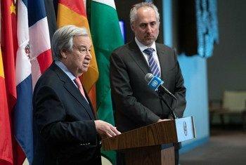 من الأرشيف: الأمين العام للأمم المتحدة، أنطونيو غوتيريش، يخاطب الصحفيين في المقرّ الدائم بشأن آخر المستجدات في سوريا