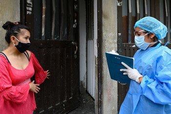 Las actividades de respuesta a la pandemia en Colombia incluyen informar a la población sobre cómo protegerse para evitar el contagio del coronavirus.