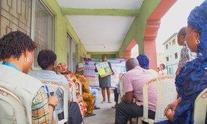 L'UNICEF sensibilise aux dangers de la Covid-19 en organisant des ateliers dans le pays d'Afrique de l'Ouest