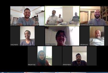 يعمل موظفو مكتب ترويج الاستثمار والتكنولوجيا التابع لمنظمة الأمم المتحدة للتنمية الصناعية في البحرين من منازلهم أثناء جائحة كوفيد-19.