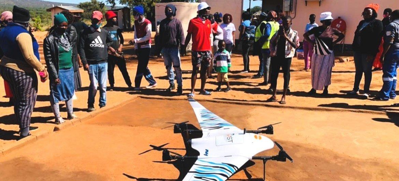 ساعد أعضاء المجتمع في بناء منصة هبوط للطائرات بدون طيار في مركز صحي بعيد في مرمي.