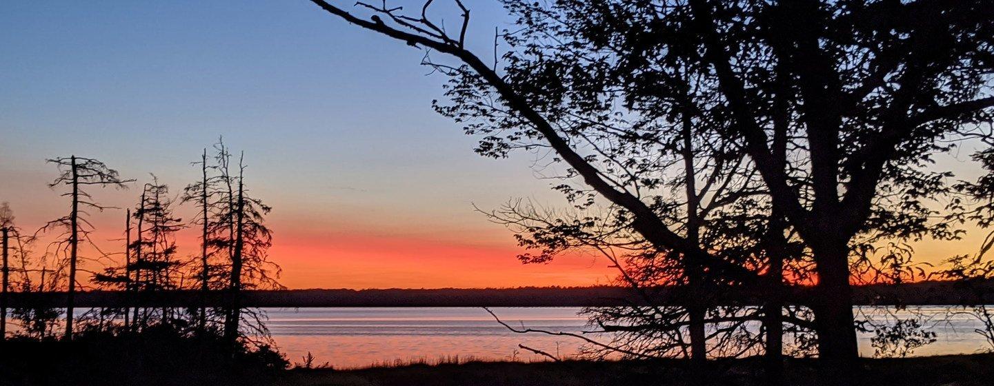 Puesta de sol en el Parque Nacional de Acadia en el estado estodounidense de Maine.