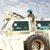 一名联合国女维和人员在南苏丹进行训练演习。