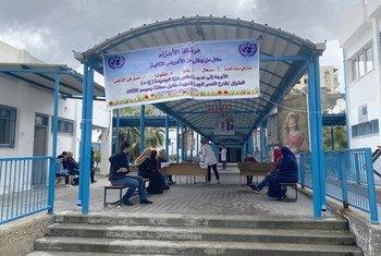 مراكز الرعاية الأولية التابعة لوكالة غوث وتشغيل اللاجئين الفلسطينيين تتحذ إجراءات إضافية للحد من انتشار فيروس كورونا في قطاع غزة.