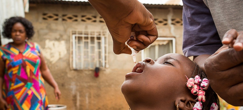 Campagne de vaccination de polio en Angola.
