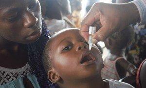 Campaña de vacunación contra la polio en Angola.