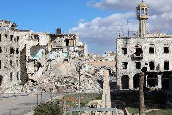 Centro de Bengazi danificado durante confrontos