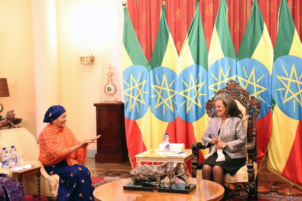 Naibu Katibu Mkuu wa Umoja wa Mataifa Amina J. Mohammed (kushoto) akikutana na rais  wa Ethiopia Sahle-Work Zewde, mjini Addis Ababa, Ethiopia.