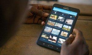 В связи с карантином дети все больше времени проводят в интернете, невольно становясь легкой добычей для киберпреступников.