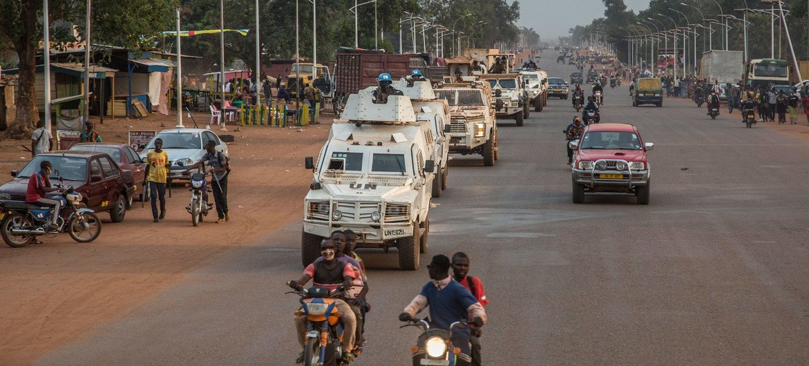 مينوسكا تنشر وحدات من الشرطة في عاصمة جمهورية أفريقيا الوسطى وضواحيها وذلك عقب الهجمات التي نفذتها مجموعات مسلحة في شمال غرب المدينة.