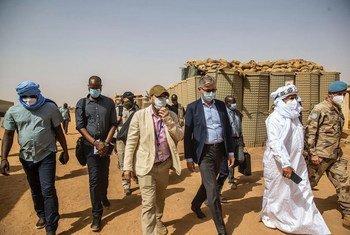 Le Secrétaire général adjoint aux opérations de paix, Jean-Pierre Lacroix, s'est rendu à Ménaka, au Mali, où il a rencontré divers acteurs locaux.