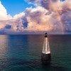 منارة أمام سواحل فلوريدا في الولايات المتحدة.