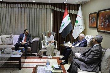 ممثلة الأمين العام الخاصة في العراق السيدة جينين هينيس-بلاسخارت تلتقي بوزير الصحة العراقي السيد جعفر علاوي، اليوم الأحد، وتؤكد دعمها لجهود السلطات العراقية والجهد اللامتناهي الذي يبذله العاملون في القطاع الصحي.