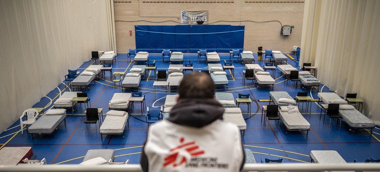 Hospital de campaña instalado por Médicos Sin Fronteras para tratar enfermos de COVID-19 en España.