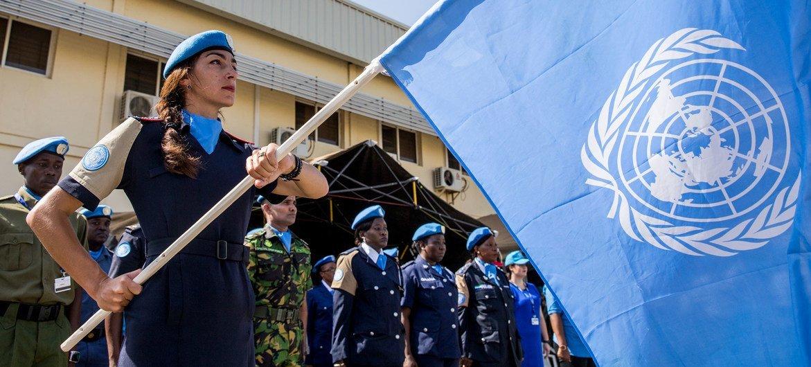ARCHIVO: La policía de la Misión de las Naciones Unidas en Sudán del Sur celebra la ceremonia de conmemoración del Día de las Fuerzas de Paz de la ONU y el desfile con motivo del Día Internacional de las Fuerzas de Paz de las Naciones Unidas (29 de mayo).