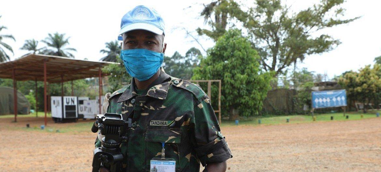 Lucas Julius Matiku, mlinda amani kutoka Tanzania akihudumu chini ya bendera ya Umoja wa Mataifa huko DRC.