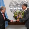 The Permanent Representative of Pakistan, Munir Akram (right), presents his credentials to UN Secretary-General António Guterres in November 2019.