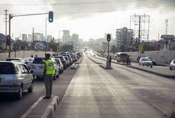 坦桑尼亚印度洋沿岸的主要城市和商业港口达累斯萨拉姆(Dar es Salaam)的街道。 (资料图片)