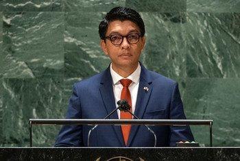 Rais Andry Rajoelina wa Madagascar akihutubia mjadala mkuu wa mkutano wa 76 wa Baraza Kuu la Umoja wa Mataifa New York Marekani