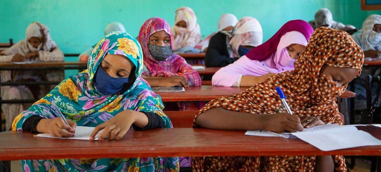 В ООН призывают сохранить успехи, достигнутые в сфере образования девочек.