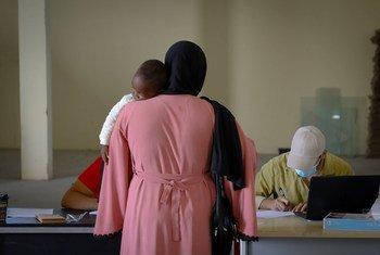 UNHCR inatoa msaada wa dharura kwa waomba hifadhi na wakimbizi walioathirika na operesheni yakamata kamata inayoendeshwa na serikali huko Tripoli, Libya