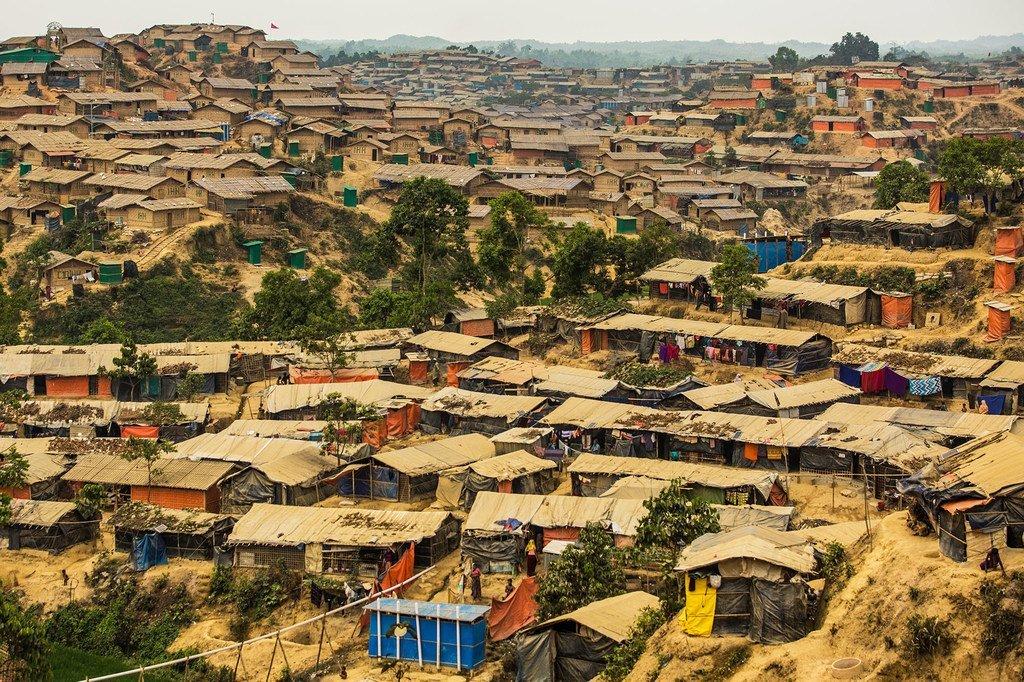 大批罗兴亚难民居住在孟加拉国的考克斯巴扎尔难民营。