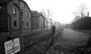 Auschwitz, campo de concentração nazista na Polônia, para onde foram levados mais de um milhão de judeus e membros de outras minorias durante a Segunda Guerra Mundial.