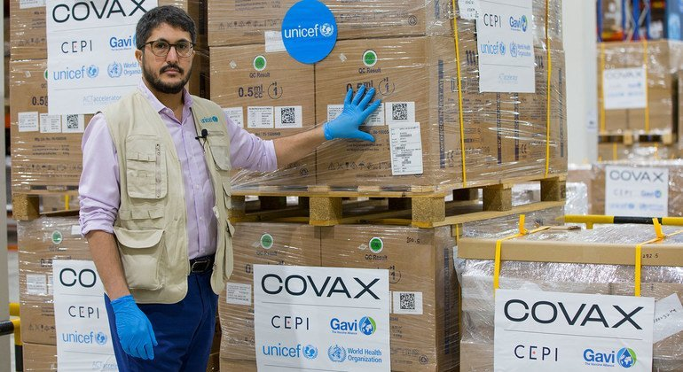 First wave of COVID-19 vaccine syringes start journey to Maldives - UN News