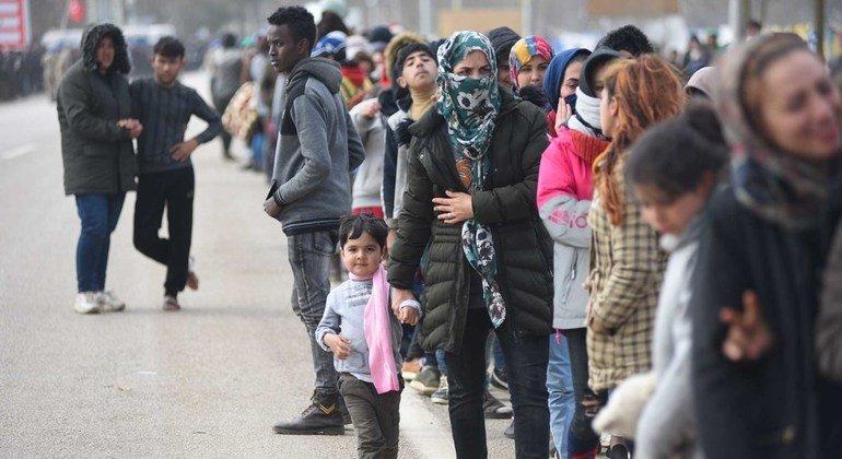 Беженцы и мигранты - на границе Турции и Греции